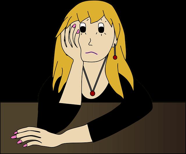 Mujer frustrada porque no puede bajar de peso con keto